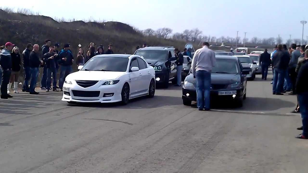 Mazda3 2.0 vs Mitsubishi Lancer 2.0 - YouTube