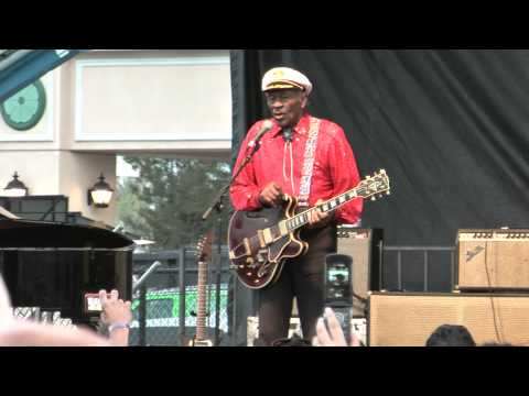 Chuck Berry sings Johnny B. Goode at the Las Vegas Rockabilly 2010 (HD 1080) High Definition