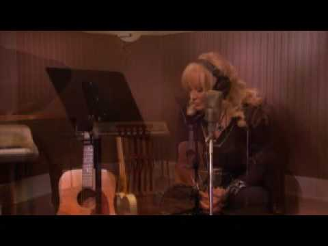 Tanya Tucker performs Walk Thru This World from her new album My Turn