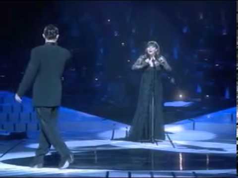 Antonio Banderas and Sarah Brightman singing The Phantom of the Opera