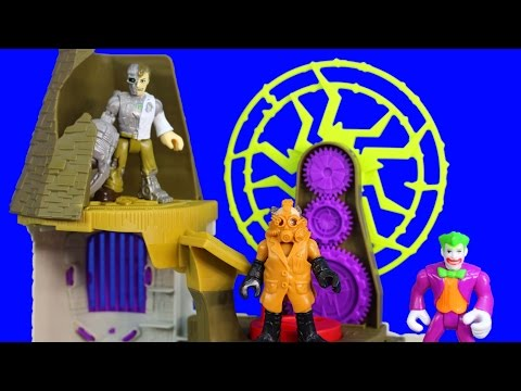 Imaginext Mad Scientist Lab Creates Replica Supervillains To Capture Green Lantern And Cyborg