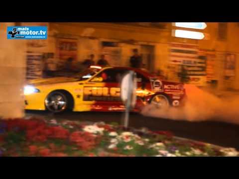 Video de exibi��o de drift no desfile nocturno no bombarral
