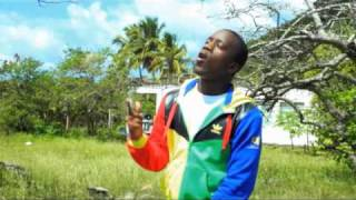 Watch Iyaz Solo video
