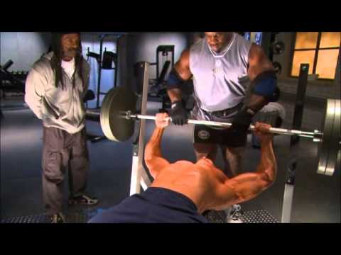 Difference between bodybuilding and powerlifting bench press style Image 1
