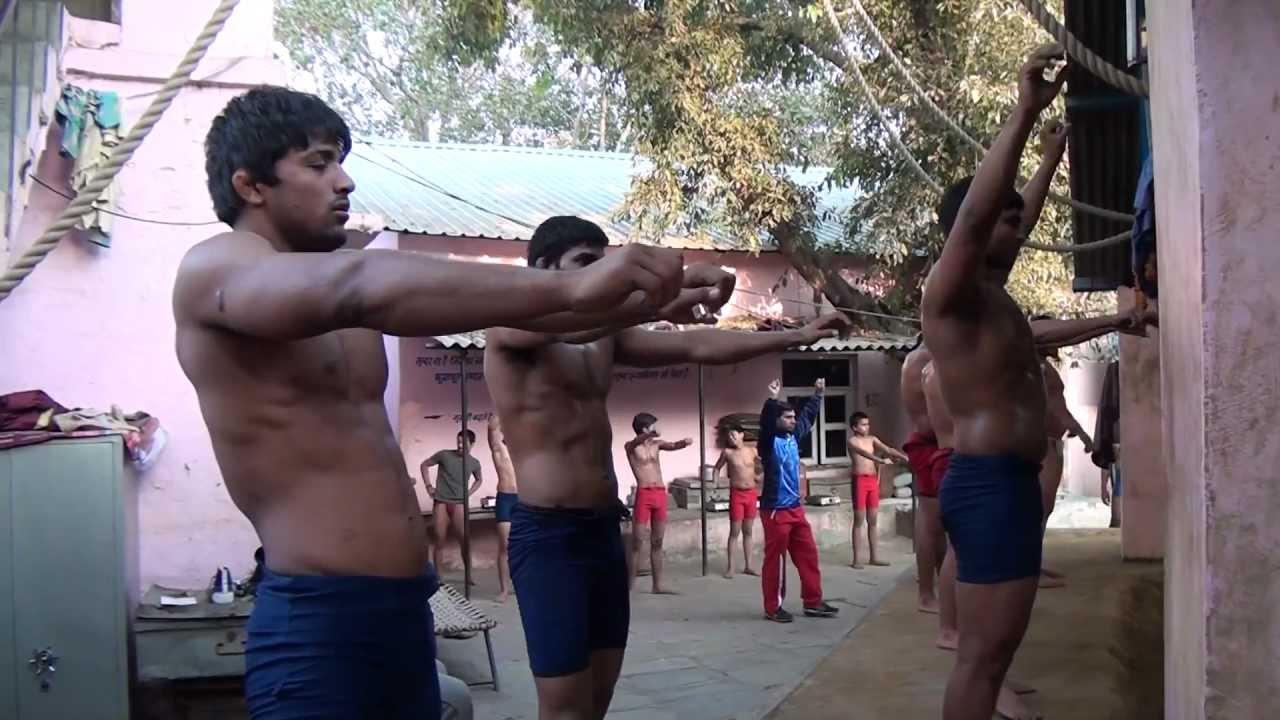 Indian Wrestling - Han...