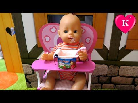 Кукла Беби Борн кушает йогурт Стульчик для кормления Видео с куклами  Dolls Baby Born