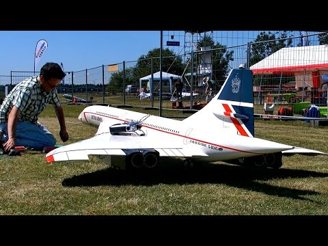 HUGE RC CONCORDE BRITISH AIRWAYS SCALE MODEL AIRLINER TURBINE JET / Airliner Meeting Airshow 2015