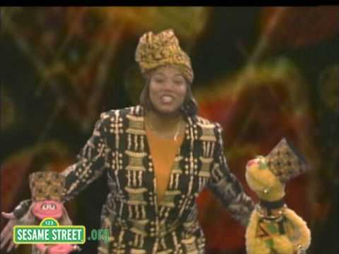 Sesame Street: Queen Latifah: The Letter O