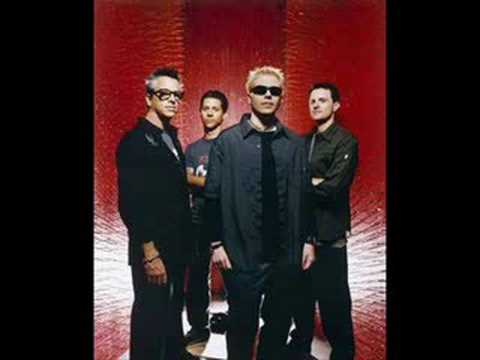 The Offspring-The Kids Aren't Alright (Shattered Dreams)