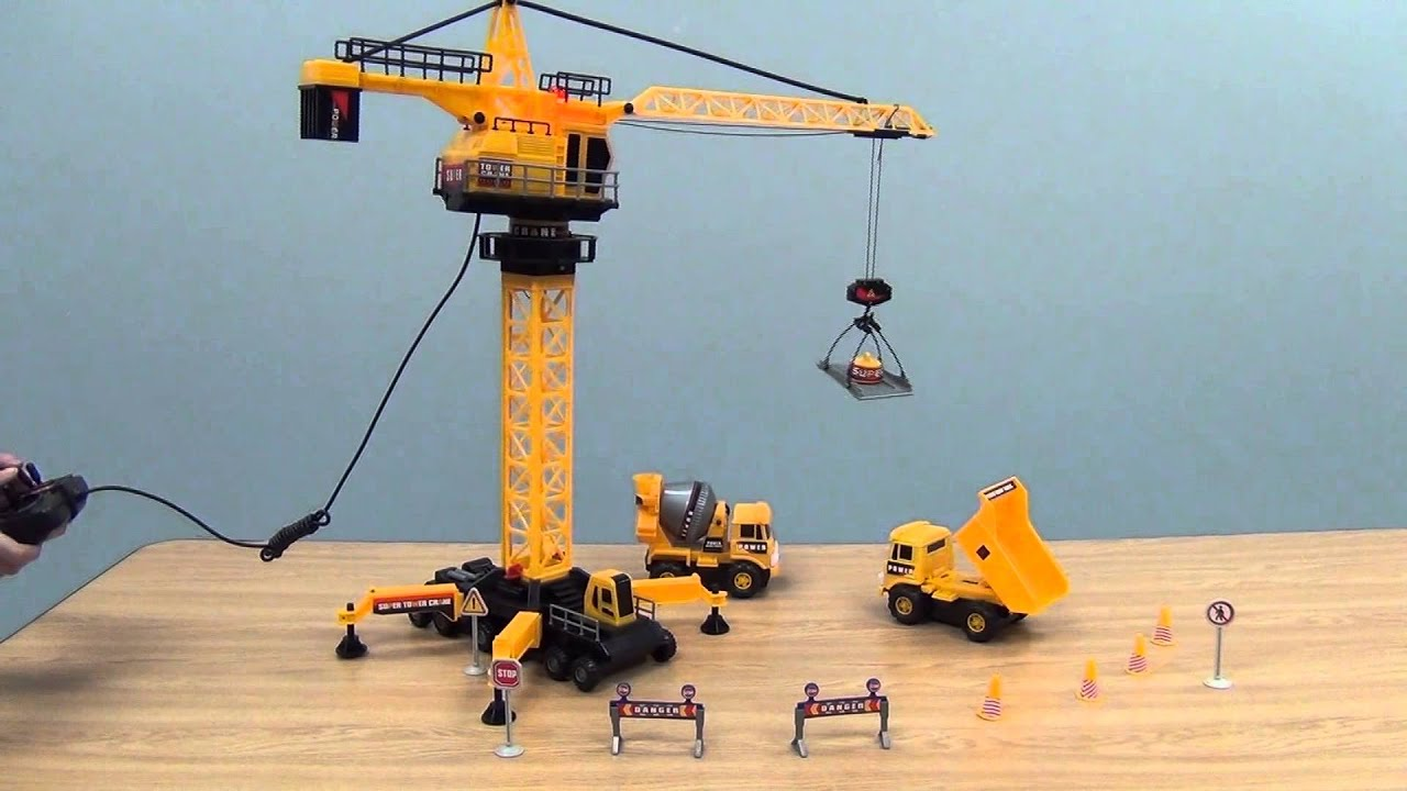 Construction Site Toys : Construction site with remote control crane from cp toys