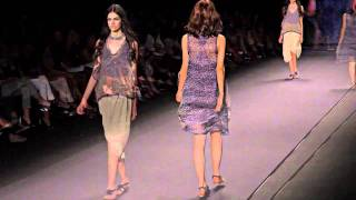 VIVIENNE TAM   S/S 2011 FASHION SHOW - VIDEO BY XXXX MAGAZINE