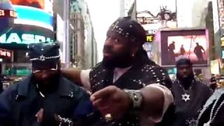 ISUPK shocked and silenced by a muslim man - New York Times Square
