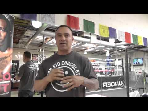Shadow Boxing With Weights right vs wrong - EsNews Boxing
