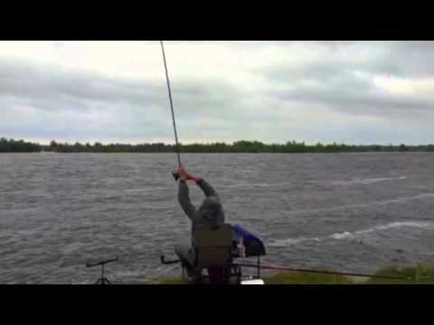 рыбалка на спиннинг в плохую погоду