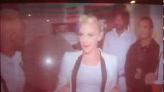Watch Gwen Stefani Ache video
