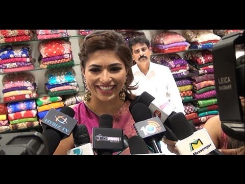 PARVATHY OMANAKUTTAN LAUNCHES WOMENS WORLD STORE - BEHINDWOODS.COM