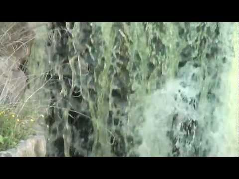 Waterfall SlowMotion slomo astonishing shots of water puring down Wasserfall in Zeitlupe