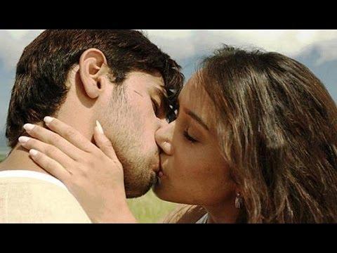 shraddha kapoor and sidharth malhotra lock lips for ek