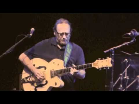 Stephen Stills with Pegi Young - Long May You Run (Neil Young) - 2011