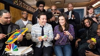"download lagu Jimmy Fallon, Idina Menzel & The Roots Sing ""let gratis"