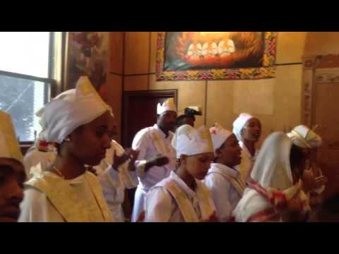 Ethiopian Orthodox Mezmur - Winnipeg 2014