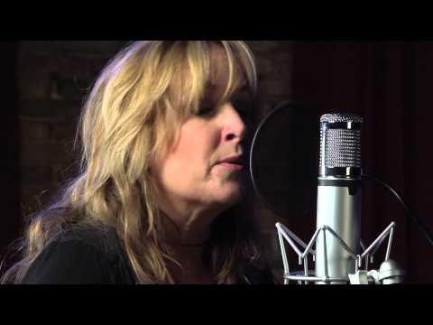 "Gretchen Peters ""Five Minutes"""