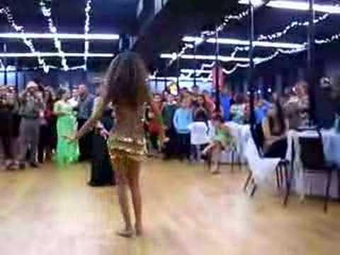 Valeria Regueton & Belly Dance
