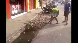 Comerciantes trocam esgoto por metralha em Goiana