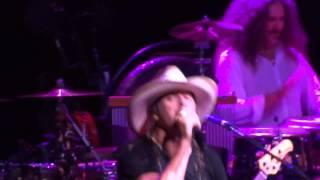 Watch Kid Rock Intro video