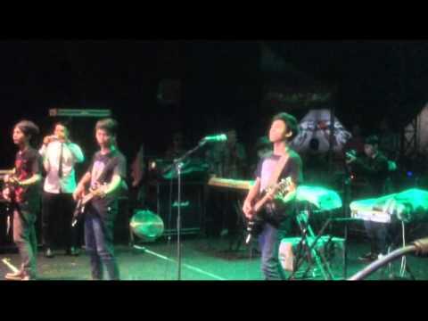 VOCUS band - Bayangan cover PAS band (Linggar jati,kuningan bersama apache)