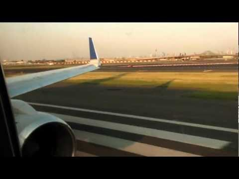 INTENSE ROAR - Boeing 757-200 United Airlines Take Off New York Newark