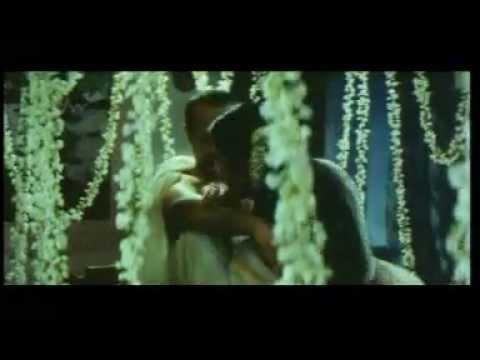 Malayalam Girl Sindhu Hot Spicy Scene In Bed-telugu Movie. video