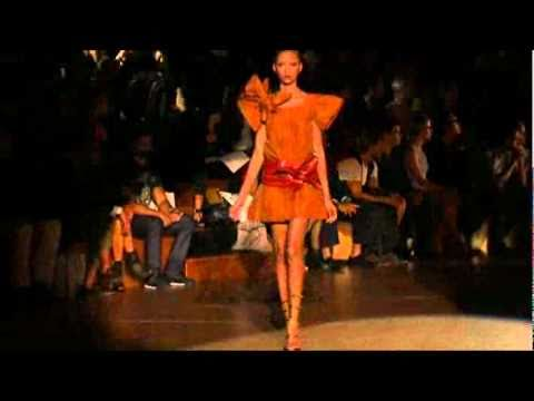 Marc Jacobs Spring 2011 Fashion Show (full)