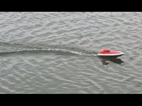 Toy RC micro boat w/ 2s Li-Po & Futaba radio