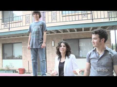 Cambio Goes Home - Jonas Brothers Music Videos