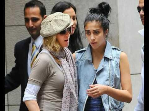 Как Мадонна воспитывает своих детей