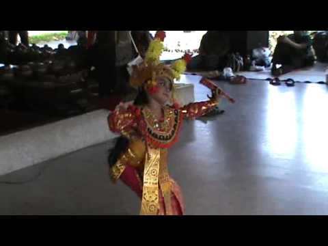 Tari Condong (legong Keraton) Part 2 By Queency Nagisa Mafta R. video