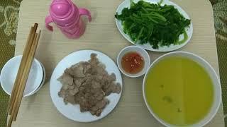 Bữa cơm mùng 1 nhà 2 vk ck trẻ.  5_2_2019