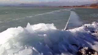 [Ice Sheets on Utah Lake colliding with shore January 2015] Video