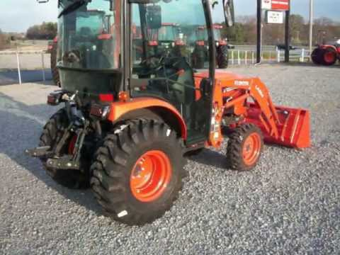 KUBOTA B2650 CAB TRACTOR WITH LA534 LOADER