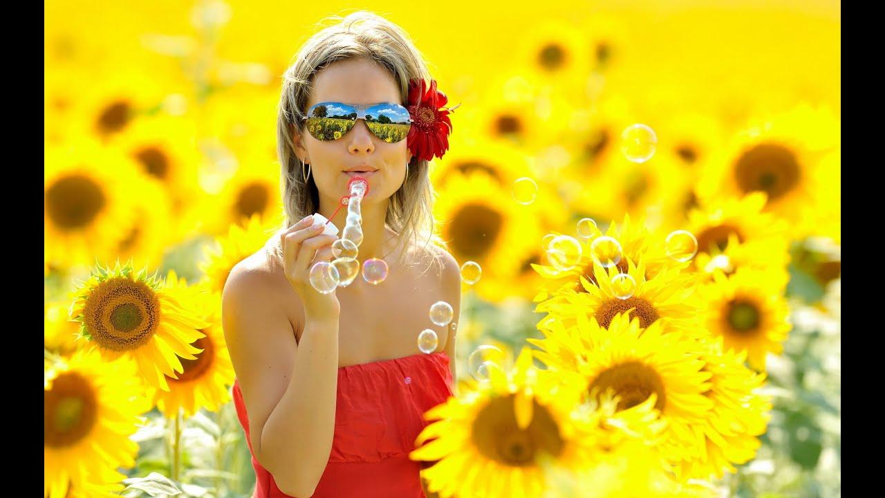 Яркие фото девушек на солнце