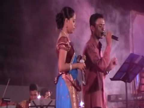 GEETH MADHURI MUSICAL SHOW 2010  ...EK PHOOL DO MALI 1969...
