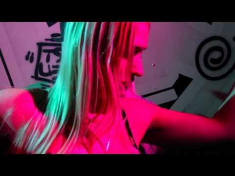 Sean Strange featuring Bizarre (D12), Trixx Bundy, Nems Guttah and Autopzy - Switch The Flow
