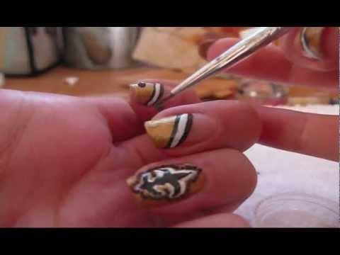 New Orleans Saints Nail Art
