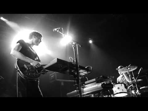 Alb - Golden Chains  Le Trianon video