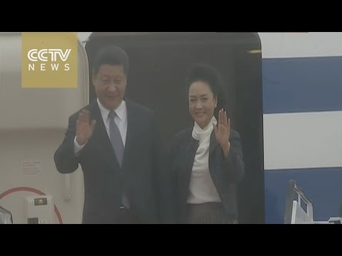 Xi Jinping arrives in Macao, meets officials from SAR gov't