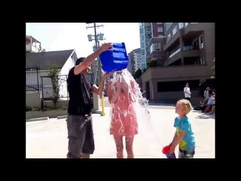 Megan Edwards from The Beat 94.5 does the ice bucket challenge!!