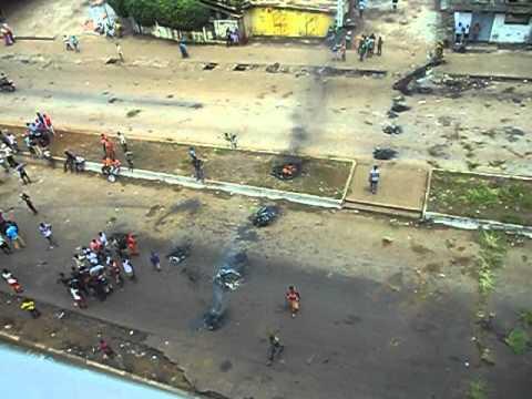 Manifestation contre l'obscurité à Hamdallaye, Conakry, Guinée