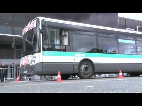 Tous les deux ans, l'Union des transports publics organisent le concours du Bus d'Or pour choisir le meilleur conducteur de France. L'édition 2012 consacre à...