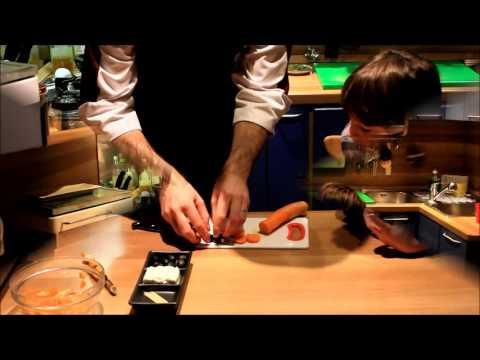 Come creare del finger food con i bambini: il pinguino carota